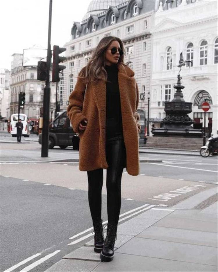 Trendy And Classic Winter Outfits To Update Your Wardrobe; Winter Outfits; Outfits; Winter Coat; Parka Jacket; Trench Green Coat; Faux Fur Coat; Oversize Sweater; Sweater Dress; Puffy Jacket; #winteroutfit #outfits #parkajacket #fauxfurcoat #oversizesweater #sweaterdress #puffyjacket