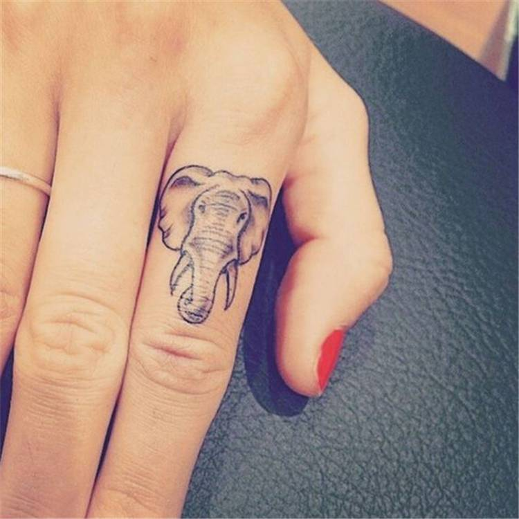Cool Finger Tattoo Ideas You Need To Try; Finger Tattoo; Floral Finger Tattoo; Tattoo; Tattoo Desgin; Butterfly Finger Tattoo; Unique Finger Tattoo; Number Finger Tattoo; Animal Finger Tattoo; #tattoo #fingertattoo #tinyfingertattoo #tinytattoo #meaningfultattoo #butterflyfingertattoo #numberfingertattoo #animalfingertattoo #floralfingertattoo