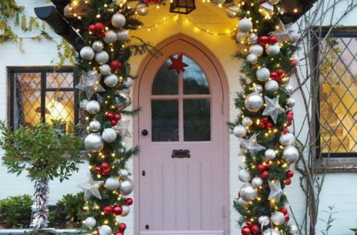 Gorgeous Christmas Porch Decoration Ideas You Need Copy Now; Christmas Home Decor; Christmas Decor; Porch Decor; Christmas Porch Decor; Home Decor; Christmas; Christmas Tree; #christmas #christmasdecor #christmasprochdecor #homedecor #porchdecor #christmastreedecor #christmastree