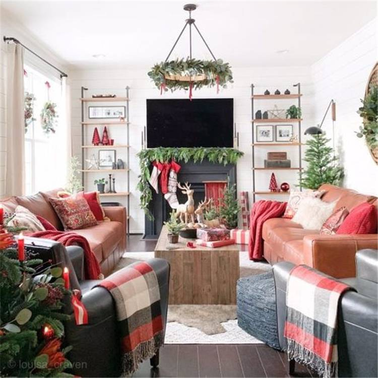 Gorgeous And Stunning Christmas Living Room Decoration Ideas; Christmas Living Room; Christmas Home Decor; Home Decor; Living Room Decor; White Christmas; Traditional Christmas; Christmas Tree; Christmas Living Room #livingroomdecor #livingroom #homedecor #christams #christmaslivingroom #whitechristmaslivingroom #christmasdecor #christmastree