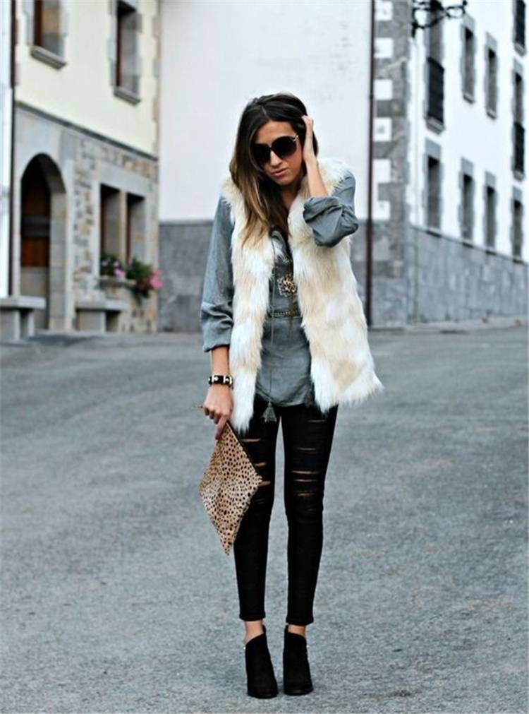 30 Ways To Rock This Winter With A Faux Fur Outfit; Winter Outfits; Outfits; Winter Coat; Faux Fur Jacket; Faux Fur Coat; Faux Fur Vest; Winter Faux Fur Outfits #winteroutfit #outfits #fauxfurjacket #fauxfurcoat #fauxfurvest
