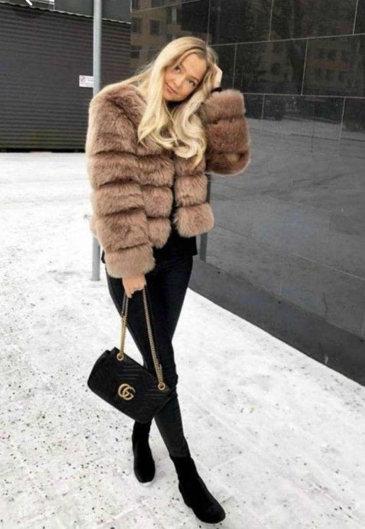 Stunning And Elegant Faux Fur Outfits In Winter; Winter Outfits; Outfits; Winter Coat; Faux Fur Jacket; Faux Fur Coat; Faux Fur Vest; Winter Faux Fur Outfits; Faux Fur Coat With Boots; Faux Fur Vest With Skirt; Winter Skirt; Winter Boots;#winteroutfit#outfits#fauxfurjacket#fauxfurcoat#fauxfurvest #winterboots #winterskirt #fauxfurcoatwithboots