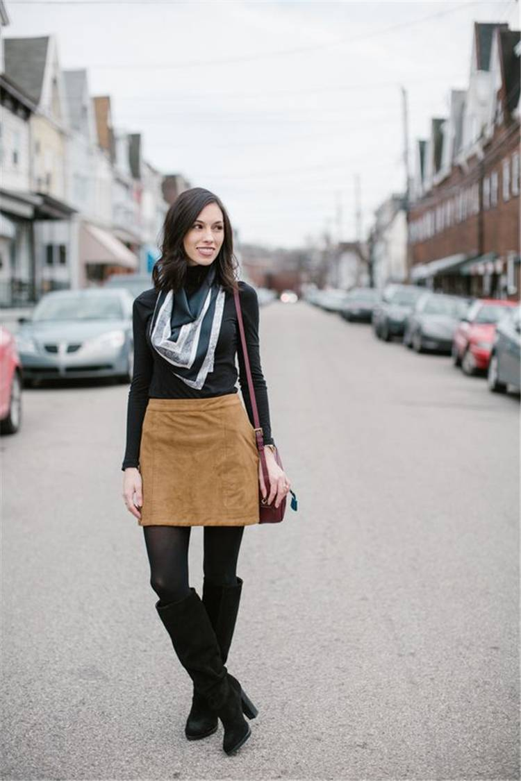 Stunning And Hote Winter Outfits You Must Copy This Year; Winter Outfits; Outfits; Winter Jacket; Oversize Sweater; Winter Mini Skirt; Puffy Jacket;#winteroutfit#outfits#oversizesweater#miniskirt #winterskirt#puffyjacket