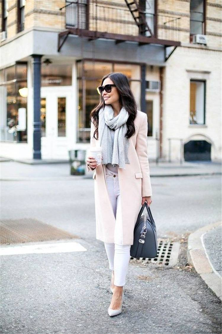 Gorgeous And Casual Winter Outfits With A Scarf; Winter Outfits; Outfits; Casual Outfits; Outfits With Scarf; Jacket With Scarf; Coat With Scarf; Oversize Sweater; #winteroutfits #outfits #casualoutfits #scarf #winterscarf #coatwithscarf #oversizesweater