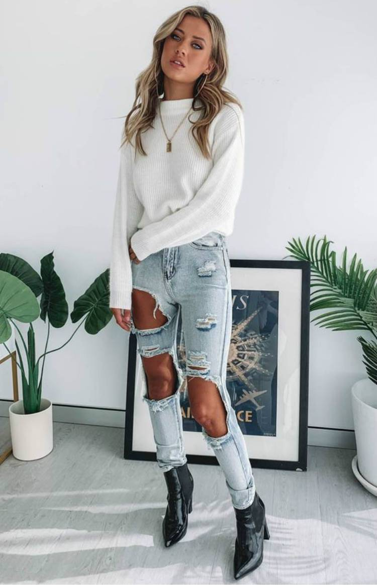 Gorgeous Spring Outfits To Make You Glam Every Day; Spring Outfits; Outfits; Casual Pants; Spring Ripped Jeans Outfits; Sweater Outfits; Spring Suits; Spring Skirt Outfits; Cute Spring Outfits; #springoutfits #outfits #springsweateroutfits #springskirt #springrippedjeans #springpants