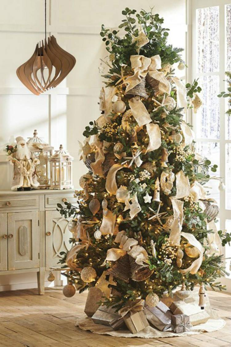 Amazing And Gorgeous Christmas Tree Decoraiton Ideas To Copy Now; Christmas Tree; Christmas decorations; DIY Christmas crafts; Christmas; Christmas Tree Decoration; Rustic Christmas Tree Decoration; Festive Red Christmas Tree Decoration; Creative Christmas Tree Decoration; #christmas #christmastree #christmastreedecoration #rusticchristmastree #festiveredchristmastree #creativechristmastree #DIYchristmastree