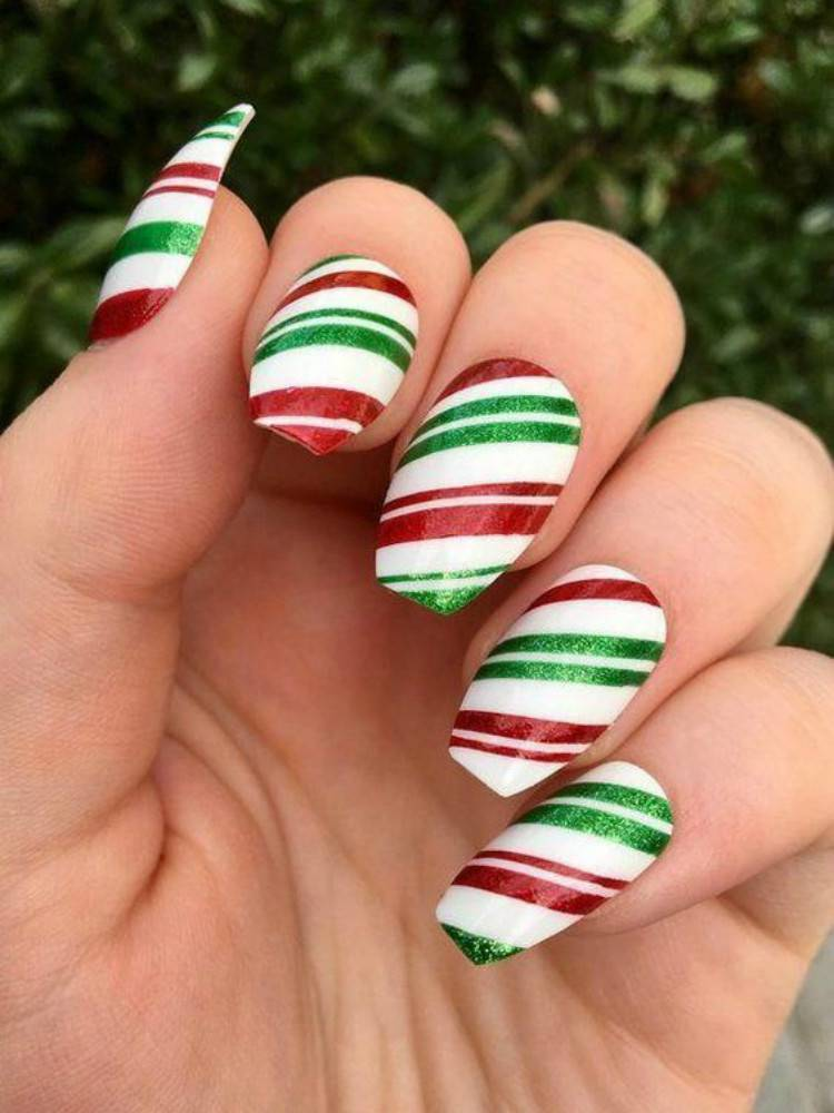 Gorgeous Christmas Nail Designs With Green And Red Colors; Christmas Red Nails; Red Nails; Christmas Nails; Christmas Square Nails; Christams Coffin Nails; Christmas Green Nail; Christmas Stiletto Nails; Holiday Nails #nails #nailsdesign #christmasnails #christmassquarenails #christmascoffinnails #christmasgreennail #christmasstilettonails #holidaynails #holidayrednails #christmasrednails