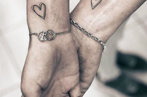 Romantic And Sweet Couple Matching Tattoo Designs For You; Couple Tattoo Ideas; Couple Tattoos; Matching Couple Tattoos;Simple Couple Matching Tattoo;Tattoos;  #Tattoos #Coupletattoo#Matchingtattoo#valentine's #valentine'stattoo