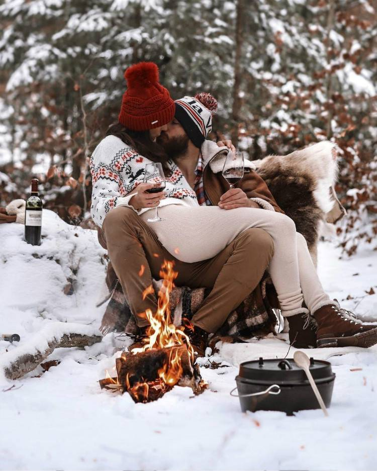 Romantic And Sweet Couple Goal For Your Christmas Date; Relationship; Lovely Couple; Relationship Goal; Relationship Goal Messages; Love Goal; Dream Couple; Couple Goal; Couple Messages; Sweet Messages; Boyfriend Messages; Girlfriend Messages; Text; Relationship Texts; Love Messages; Love Texts; #Relationship#relationshipgoal #couplegoal #boyfriend#girlfriend #coupletexts #couplemessages #Christmas #Christmadate