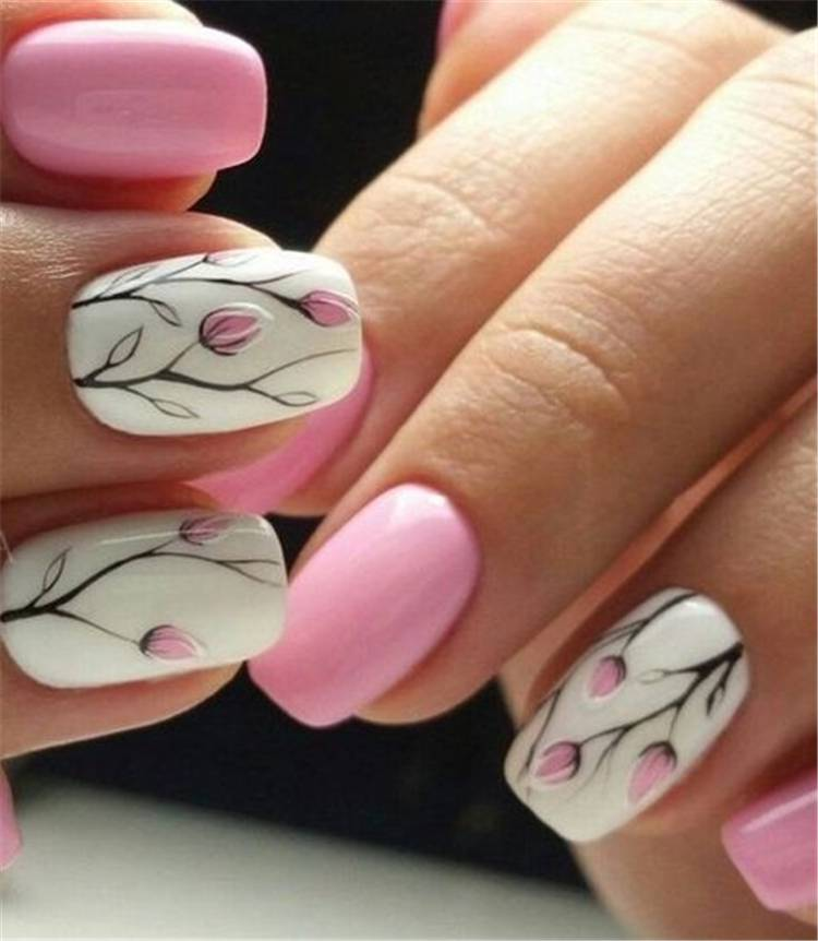 Pretty Spring Floral Nail Arts To Make You Blooming; Floral Nails; Lovely Nails; Nails; Square Nails; Nail Design; Flower Nails; Rose Nails; Daisy Nails; Rose Nails; Tulip Nails #nails #flowernails #squarenail #naildesign #floralnails #squarenails #tulipnails #daisynails #rosenails