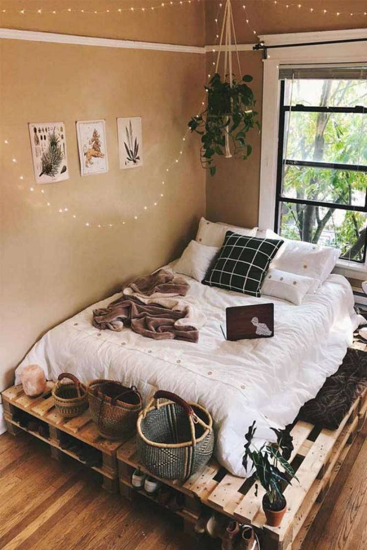 Gorgeous String Lights Decoration Ideas In The Bedroom; Home Decor; Bedroom Decor; Bedroom; Bedroom Lights; String Lights; Wall String Lights; Frame String Lights; #homedecor #bedroomdecor #bedroom #bedroomlights #stringlights #wallstringlight #framestringlights #bedroomstringlights