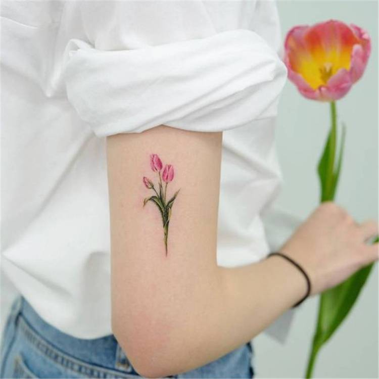 Spring Floral Tattoo Designs To Make You Beautiful; Floral Tattoo; Tattoo Design; Tattoo; Spring Floral Tattoo; Tulip Tattoo; Rose Tattoo; Daisy Tattoo; Flower Tattoo; Arm Tattoo; Finger Tattoo #tattoo #tattoodesign #floraltattoo #rosetattoo #tuliptattoo #daisytattoo #armtattoo #fingertattoo #watercolortattoo #springflower #springflowertattoo
