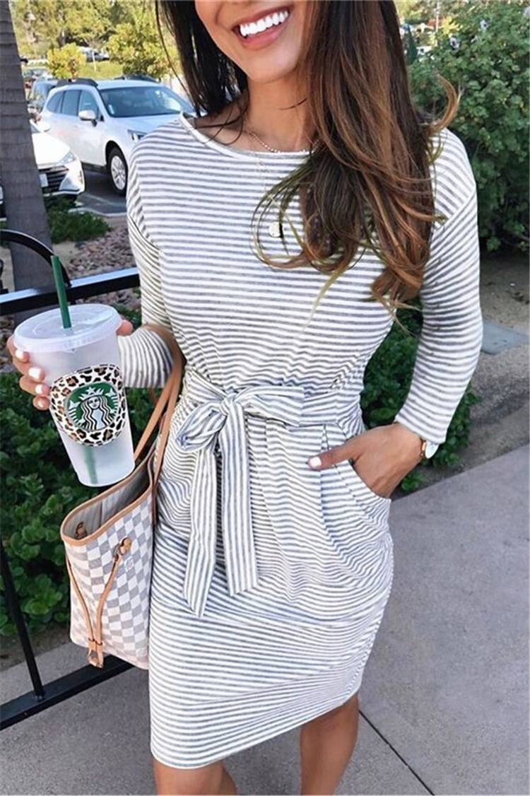 Gorgeous Spring Outfits To Make You Glam; Spring Outfits; Outfits; Oversize Sweater; Spring Ripped Jeans Outfits; Sweater Outfits; Spring Suits; Spring Skirt Outfits; Cute Spring Outfits; Spring Dress #springoutfits #outfits #springsweateroutfits #springskirt #springrippedjeans #springpants #springdress #oversizesweater