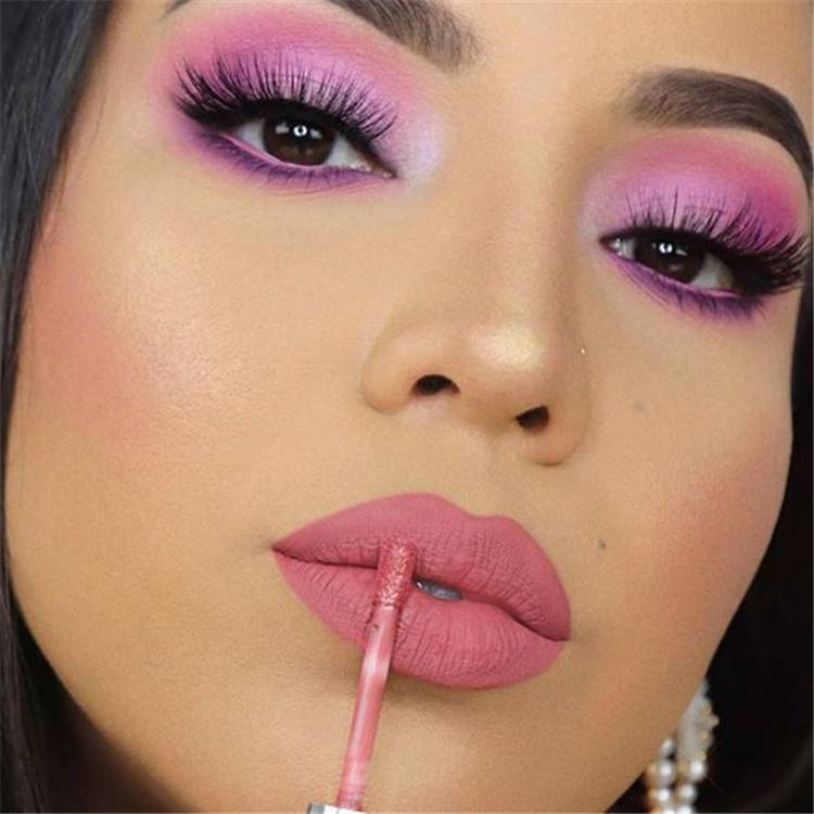 Sexy And Gorgeous Makeup Looks For Your Valentine's Date; Valentines Day Eye Makeup Ideas;Valentines Day Eye Makeup;Fashionable Eye Makeup Ideas;Fashionable Eye Makeup;Smoking Eyes;Somking Eyes Makeup;Color Eye Shadows;Glitter Eye Shadows;Long Eyelashes;Curl Eyelashes;Thick Eyelashes;#makeup#eyemakeup#valentine'smakeup#shiningmakeup#boldmakeup #makeuplooks #redlipstickmakeup #valentinesmakeup #valentine