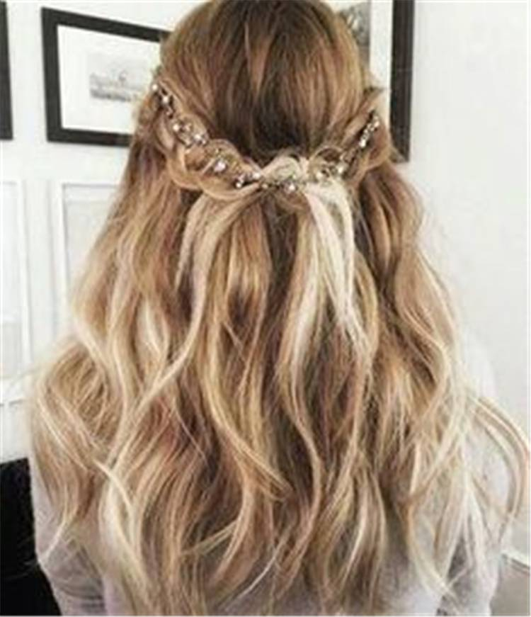 Pretty Valentine's Day Hairstyles For Your Perfect Date; Hairstyle; Hair Idea; Valentine's Hairstyles; Valentine's Day; Pretty Hairstyles; Easy Hairstyles; Ponytail; Bun Hairstyles; Half Up Half Down Hairstyles; Hair Makeup #Valentine #Valentine'sDay #hairstyles #easyhairstyles #halfuphalfdownhairstyle #ponytail #bunhairstyles #halfuphairstyles