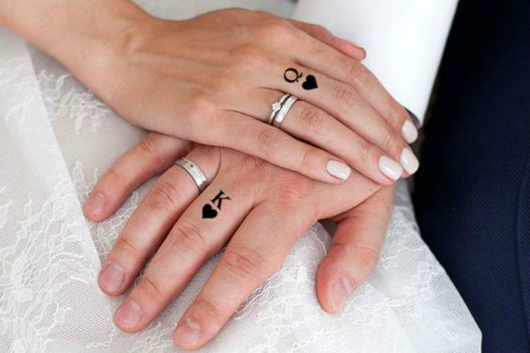 Couple Matching Tattoo Designs For The Coming Valentine's Day; Couple Tattoo Ideas; Couple Tattoos; Matching Couple Tattoos;Simple Couple Matching Tattoo;Tattoos; Valentine's Day; Valentine's Tattoo#valentine's#valentine'stattoo#Tattoos#Coupletattoo#Matchingtattoo