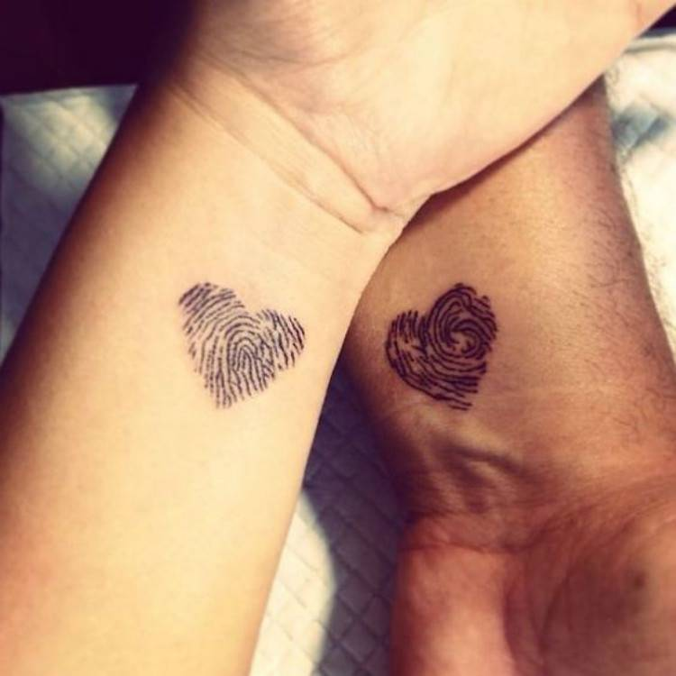 Best Valentine's Couple Matching Tattoo Designs You Need To Try; Couple Tattoo Ideas; Couple Tattoos; Matching Couple Tattoos;Simple Couple Matching Tattoo;Tattoos; Valentine's Day; Valentine's Tattoo #valentine's #valentine'stattoo #Tattoos #Coupletattoo#Matchingtattoo #matchingdottattoo #matchingcompasstattoo #matchingfingerprinttattoo #matchinganchortattoo
