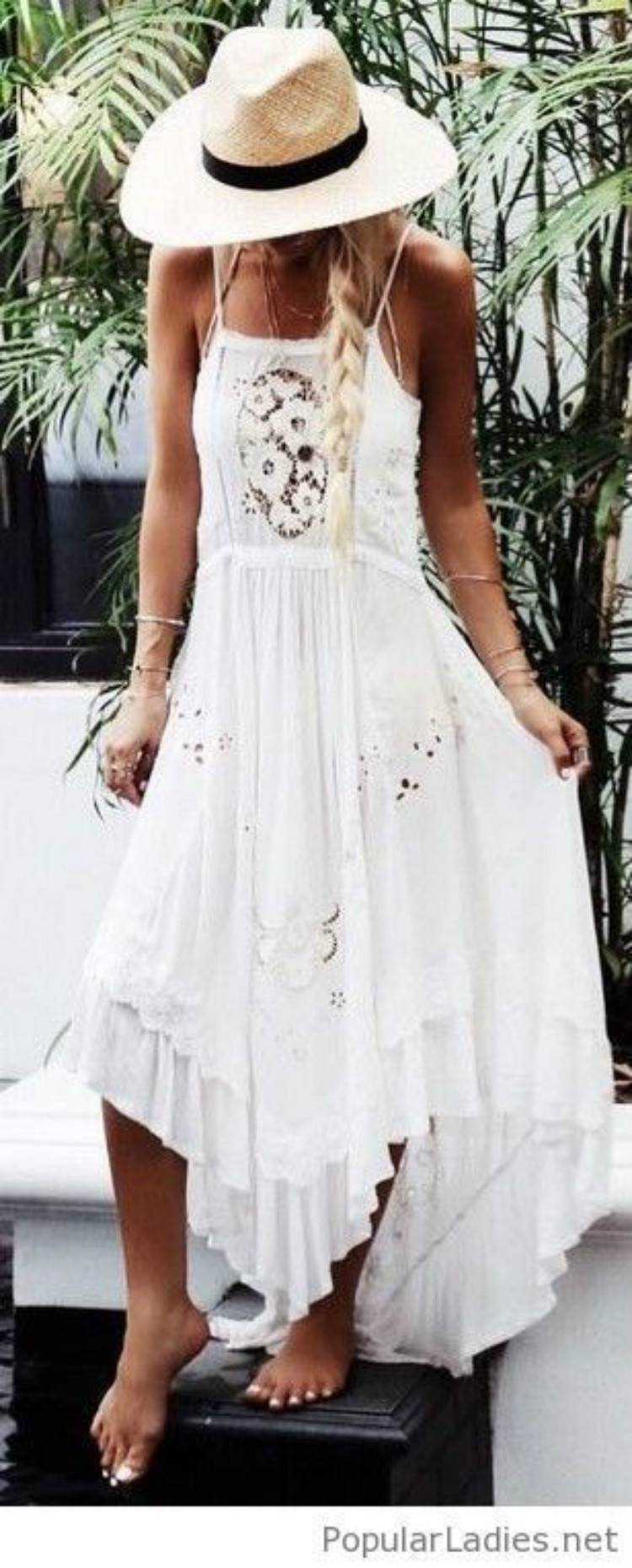 Stunning And Sexy Beach Outfits For Your Summer Holiday; Summer Dress; Beach Outfits; Beach Dress; Hot Shorts; Linen Pants; Boho Dress; Beach Boho Dress; Sexy Outfits; Summer Outfits #summeroutfits #beachdress #beachoutfits #hotpants #linenpants #bohodress #beachbohodress #sexydress #sexyoutfits
