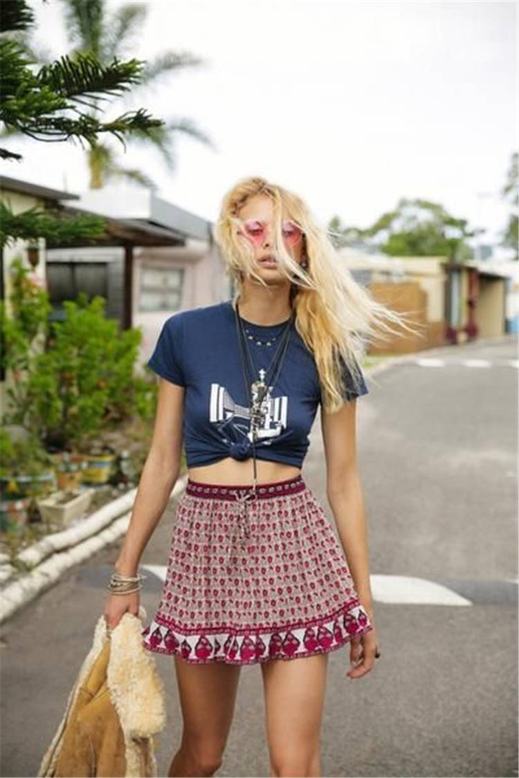 Trendy And Sexy Summer Outfits You Need To Copy Now; Summer Dress; Dress; Summer Outfits; Outfits; Summer Mini Skirt; Summer Bodycon Dress; Bodycon Dress; Casual Summer Dress; Long Summer Dress; #summerdress #summeroutfits #outfits #summercasualdress #bodycondress #miniskirt #summerminiskirt