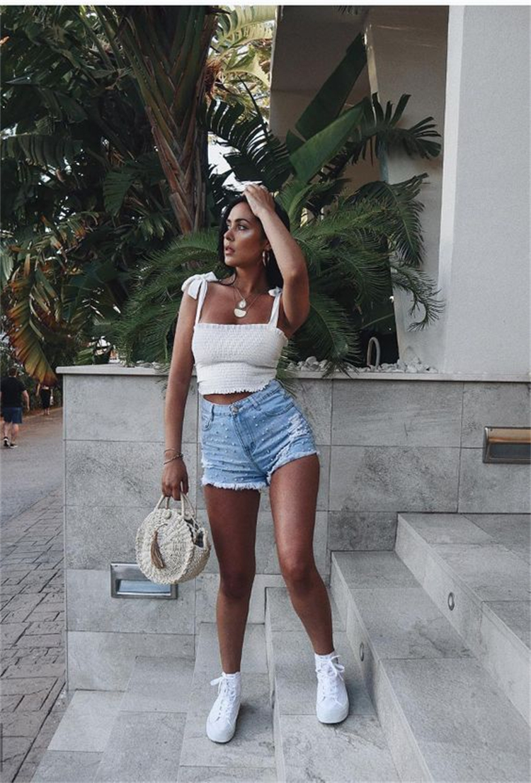 Sexy And Hot Outfits To Cool Your Summer; Summer Outfits; Summer Hot Outfits; Outfits; Summer Skirt; Mini Skirt; Floral Mini Skirt; Tank Top; Crop Top; Denim Shorts; Denim Pants; #summeroutfits #outfits #denimshorts #denimpants #croptop #tanktop #floralminiskirt #miniskirt