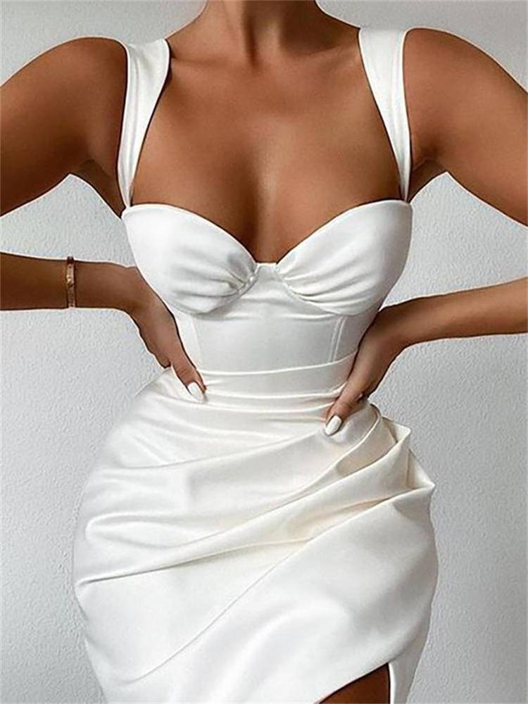 Sexy Party Dress Outfits To Give You The Queen's Look; Party Outifts; Night Club Outfits; Sexy Outfits; Sexy Party Outifts; Sexy Night Club Outfits; Clubbing Outfits; Party Bodycon Dress; Party Mermaid Dress; White Party Dress; #outfits #partyoutfits #nightcluboutfits #sexyoutfits #partydress #minidress #bodycondress #bodyconskirt #partylongdress