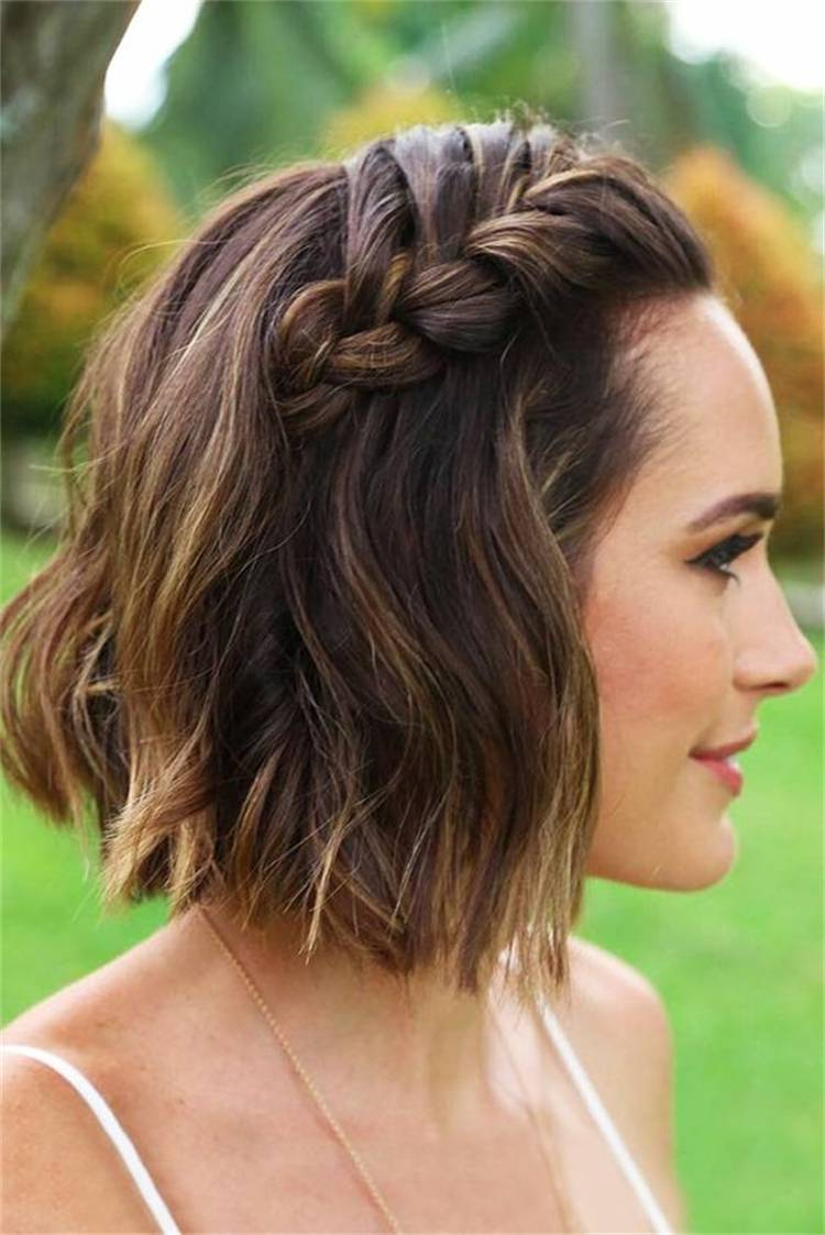 Pretty Side Braid Hairstyles You Would Fall In Love With; Side Braid Hairstyle; Braid Hairstyles; Hairstyles; Hair Ideas; Side Braid Bob Hairstyles; Side Braid Ponytail; Side Braid Updo Hairstyles #hairstyle #hairidea #braidhairstyle #sidebraidhairstyle #sidebraidponytail #sidebraidbobhairstyles #sidebraidupdo