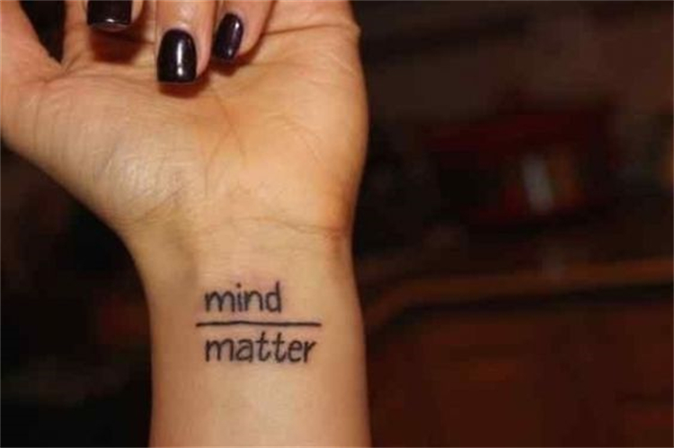 Classic And Meaningful Quotes Tattoo Designs To Impress You; Quotes Tattoo; Quotes Tattoo Ideas; Meaningful Quotes Tattoo; Quotes Tattoo Ideas For Your Inspiration; Tattoo Ideas; Quotes Tattoo; Meaningful Quotes; Small Tattoo; Arm Tattoo; Collarbone Tattoo; Wrist Tattoo; Side Rib Tattoo; #smalltattoo #collarbonetattoo #quotestattoo #meaningfultattoo #sideribtattoo #tattoodesign #tattoo