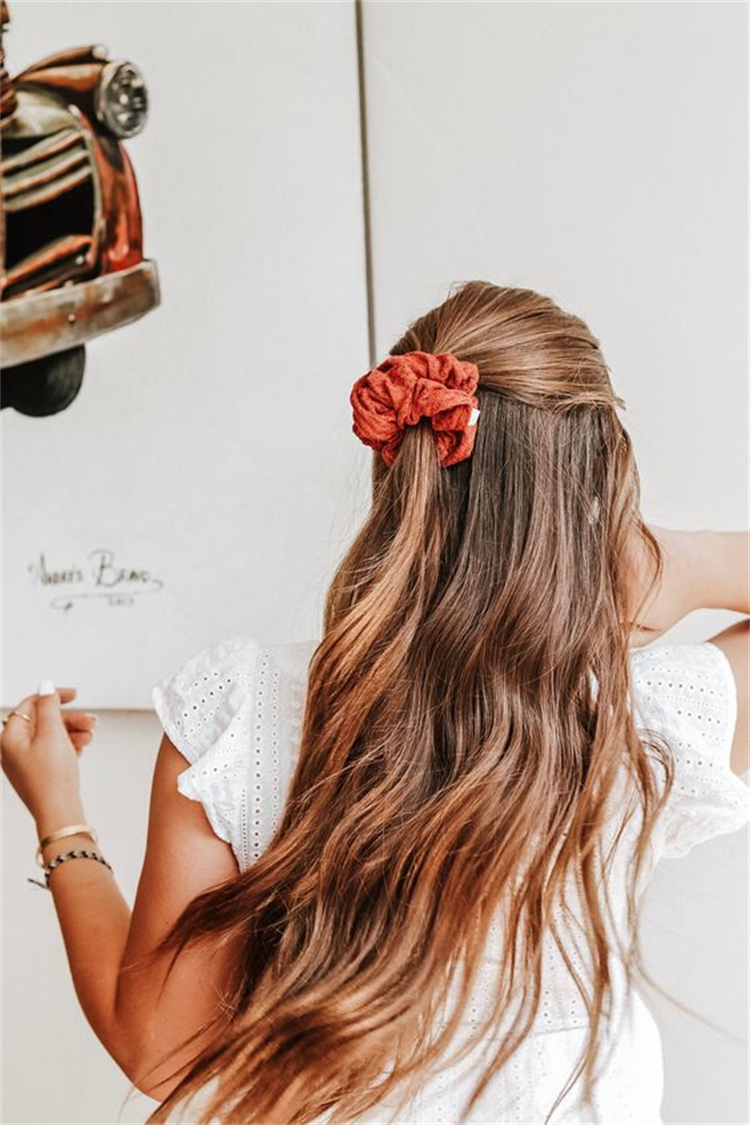 Hottest And Trendy Summer Hair Ideas For Your Inspiraiton; Summer Hair; Hair Ideas; Summer Hairstyles; Hairstyles; Summer Collarbone Bob; Half Up Half Down Hair; French Braids; #hairstyle #hairidea #summerhair #summerhairstyle #collarbonebobhair #halfuphalfdownhair #frenchbraids