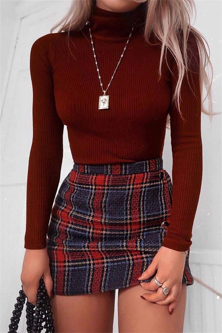 Gorgeous Back To School Outfits To Make You Look Amazing; School Outfits; Outfits; Jeans Outfits; Skirt Outfits; Dress Outfits; Back To School Outfits; #outfits #schooloutfits #casualoutfits #skirtoutfits #jeansoutfits #rippedjeans #dressoutfits