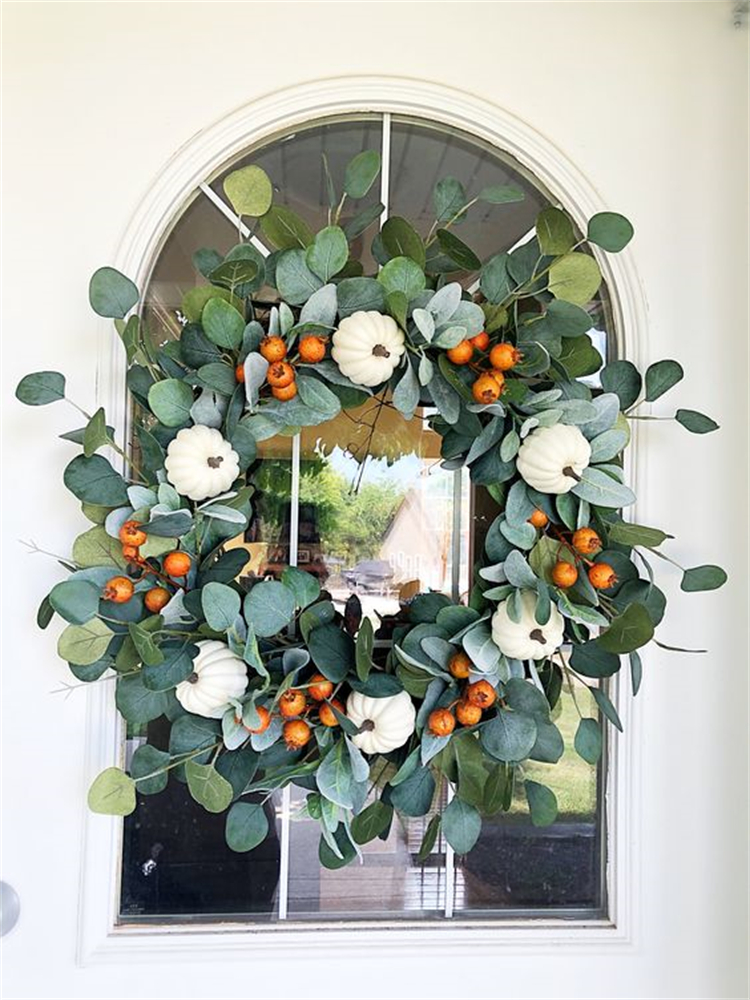 Gorgeous Front Door Fall Wreaths To Enjoy The Fall Season; Fall Wreath; Fall Wreaths DIY; DIY Wreaths; Door Wreaths; Fall Decoration; Home Decor; #falldecor #fallwreath #wreath #wreathDIY #DIY #homedecor #doorwreath