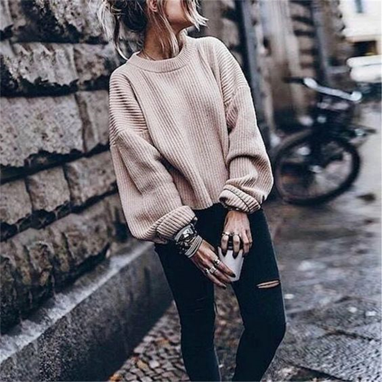 Cool And Casual Fall Outfits To Enjoy The Fall Season; Fall Outfits; Outfits; Casual Outfits; Oversize Sweater; Fall Leather Jacket; Fall Hoodie; #casualoutfits #outfits #falloutfits #casualoutfits #fallleatherjacket #oversizesweater #fallhoodie #hoodieoutfits