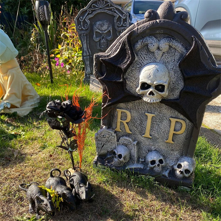 Scary Halloween Front Yard Decoration Ideas To Inspire You; Halloween Home Decor; Halloween; Halloween Outdoor Decoration;Halloween Decoration; Halloween; Halloween Ghost Decoration; Halloween Zombie Decoration; Halloween Pumpkin Decoration; Halloween Tombstone Decoration; Halloween Spider Decoration; Halloween Skeleton Decoration; #halloween #halloweendecoration #homedecor #halloweenoutdoordecor #halloweenspider #halloweenskeleton #halloweenpumpkin #halloweentombstone