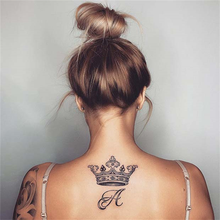 Stunning Crown Tattoo Designs To Make You Look Stylish; Crown Tattoo; Tattoo Design; Ankle Crown Tattoo; Finger Crown Tattoo; Arm Crown Tattoo; Back Crown Tattoo; Couple Matching Crown Tattoo; #tattoo #tattoodesign #crowntattoo #crown #fingercrowntattoo #armcrowntattoo #couplematchingtattoo #backcrowntattoo #anklecrowntattoo