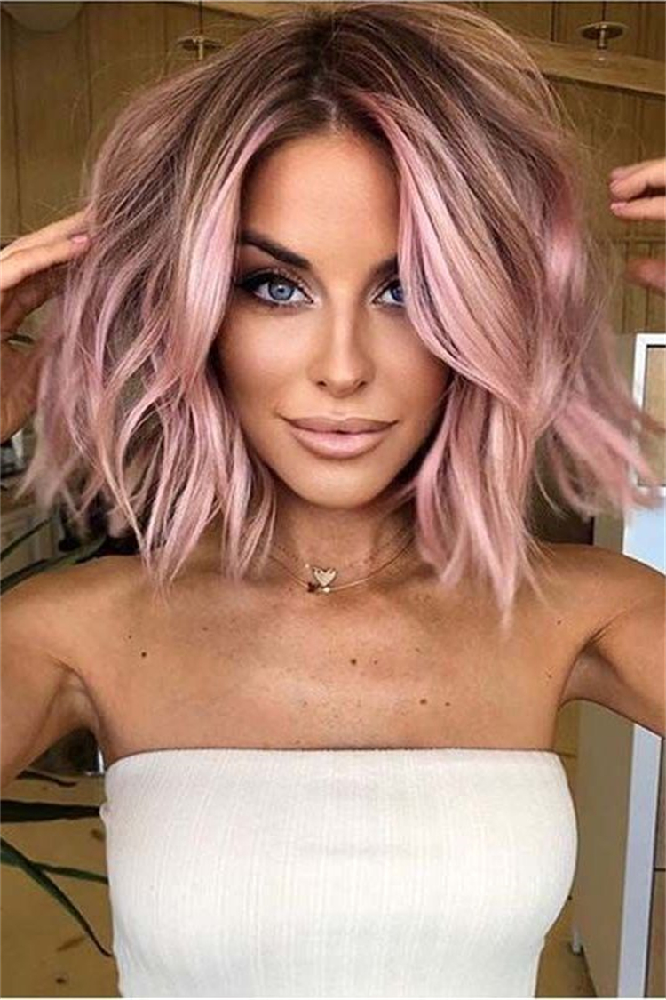 Amazing Rose Gold Hair Ideas You Need To Copy Now; Rose Gold Hair; Rose Gold Hair Color; Rose Gold Hair Color Ideas; Gorgeous Hair; Hairstyles; Rose Gold; Rose Gold Fashion; Rose Gold Hairstyles; Hairstyle; Bob Rose Gold; Half Up Half Down Rose Gold; Pixie Hairstyles #rosegold #rosegoldhair #haircolor #hairstyle #rosegoldbobhair #rosegoldpixiehairstyle #longwavehairstyles #weddinghairstyles